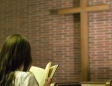 Biserica a castigat: elevii, obligati sa studieze religia