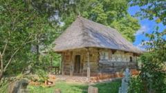 """Biserica de lemn din satul Ursi, Valcea, distinsa cu premiul Europa Nostra la categoria """"conservare"""" VIDEO"""