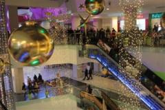 Black Friday la Uvertura Mall cu mii de botosaneni curiosi, reduceri de la 20 la 50%, agitatie, copii si Pepe