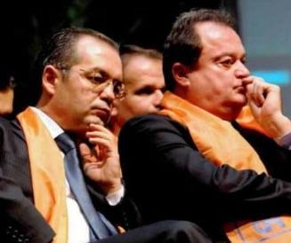 Blaga nu il da afara din partid pe Boc: Daca vrea la PMP, sa demisioneze de la primarie