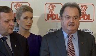 Blaga si-a depus motiunea pentru sefia PDL: Vrem sa castigam alegerile din 2016 (Video)