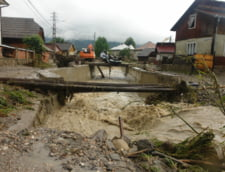 Blestemul inundatiilor nu e blestemul apelor (Opinii)