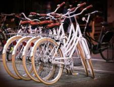 Bloomberg: Bicicletele castiga lupta cu automobilele pentru strazile oraselor din Europa