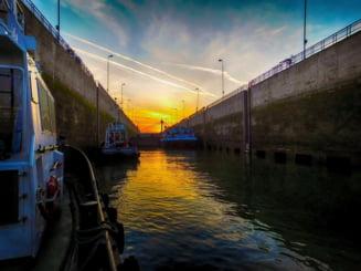 Bloomberg: Canalul Dunare-Marea Neagra, locul mortii devenit poarta economica a Europei de Est