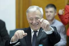 Bloomberg scrie ca Mugur Isarescu, cel mai longeviv guvernator, are sprijin pentru inca un mandat
