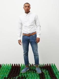 Blugi din peturi reciclate - vezi ce companie procedeaza astfel