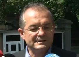 Boc: Guvernul a schimbat legea Referendumului dupa declansarea suspendarii