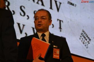 Boc: Interzicerea ocuparii de demnitati publice de fostii presedinti, o aberatie juridica si politica