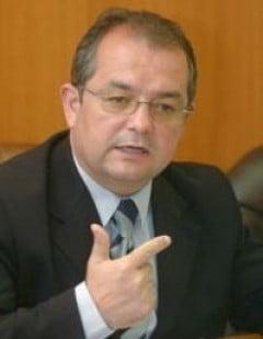 Boc: Marirea pretului la gaze, dovada incapacitatii Guvernului Ponta de a negocia cu FMI