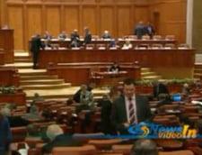 Boc, in Parlament: Pentru siguranta bugetarilor, respingeti motiunea!