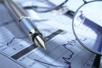 Boc, mai optimist decat prevede prognoza: Vor vedea bugetarii mariri de salarii?