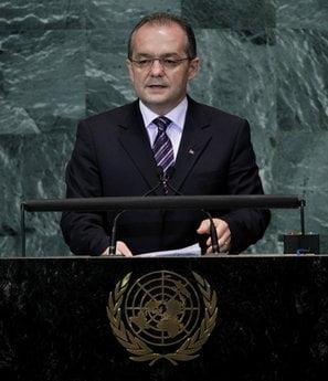 Boc a avut nevoie de podium pentru a vorbi la microfon, la ONU (Video)