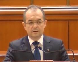 Boc a prezentat bugetul in Parlament: In 2011 depasim partea grea a crizei