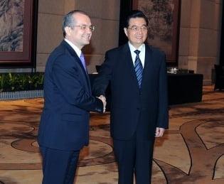 Boc invita investitorii chinezi sa participe la constructia Autostrazii Transilvania