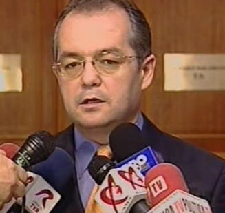 Boc participa la intalnirea deputatilor UDMR cu ministrii Botis si Funeriu