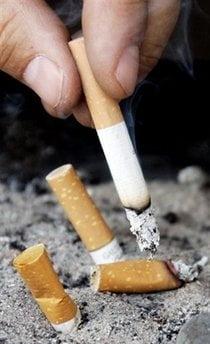 Bolnavii de cancer la plamani au sanse duble de supravietuire daca renunta la fumat