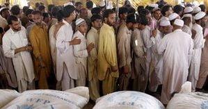 Bomba intr-o tabara de refugiati din Pakistan - cel putin 12 morti si 30 de raniti