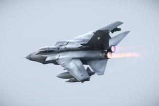 Bombardiere strategice ale Rusiei, interceptate de un Eurofighter Typhoon aproape de Marea Britanie