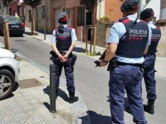 Bordel clandestin cu fete din Calarasi descoperit de politie la Rotterdam. Marturia unui proxenet: Am disperat-o cu bataia!