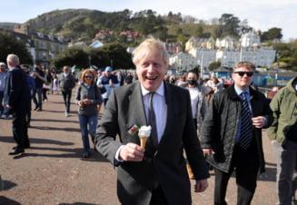 """Boris Johnson: """"Sunt sanse mari ca regula distantarii fizice sa nu mai existe in Anglia din 21 iunie"""""""