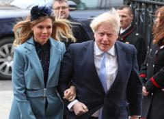 Boris Johnson a devenit tata. Daca vrea concediu paternal, are de ales: incalca legea sau isi lasa tara la greu
