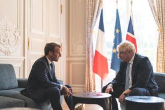 Boris Johnson s-a simtit ca la el acasa la Palatul Elysee: Si-a pus piciorul pe masa (Foto&Video)