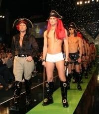 Botezatu si-a prezentat colectia de chiloti pentru pirati