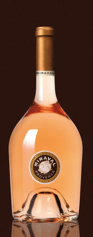 Brad Pitt si Angelina Jolie lanseaza propriul vin, Miraval - ei au conceput sticla