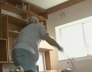 Brasov: S-au trezit cu sufrageria plina de lilieci
