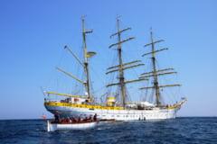 Bricul Mircea, bijuteria Marinei Romane, a acostat pentru prima data intr-un port de pe Dunare