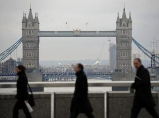 Britanicii fac petitie online impotriva imigrantilor romani - zeci de mii de semnaturi