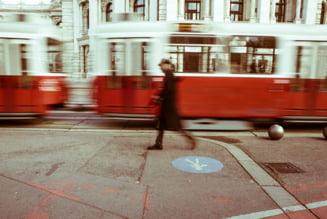 Bucurestenii nu vor circula prea curand cu cele 100 de tramvaie noi pe care vrea sa le cumpere Firea
