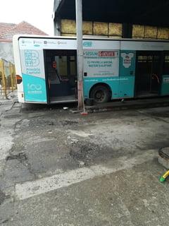 Bucurestiul are transport public de 110 ani. STB o lauda pe Firea, face un concert si si-a lansat imn in care ne spune ca in autobuz nu stai la semafor (Video)