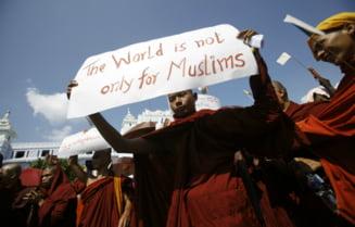 Budistii n-ar trebui sa fie pacifisti?