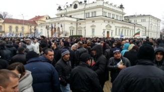 Bulgaria: Protestatarii ameninta cu o blocada la Parlament