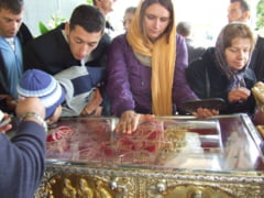 Bulgaria a cerut Romaniei sa-i restituie o parte din moastele Sfintei Parascheva