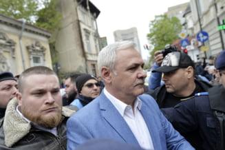 """Buluceala generala la venirea lui Dragnea la Inalta Curte. Jandarmii au facut scut si au imbrancit chiar si presa: De ce va """"recalcitrati?"""" (Video&Foto)"""