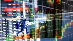 Bursa. Wall Street a inchis in scadere din cauza incertitudinilor legate de programul de ajutoare pentru Covid-19, insa Tesla a inregistrat un nou record