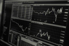 Bursa de la Bucureşti a câştigat 4 miliarde de lei din capitalizare în această săptămână