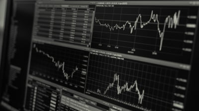 Bursa de la Bucuresti si-a mai revenit dupa socul de miercuri, insa termina tot pe scadere