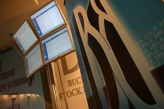 Bursa trece pe rosu dupa demisia lui Farmache (Video)