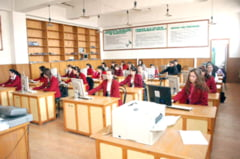 Burse pentru elevii cu performante scolare sau cei din familiile sarace, acordate de Primaria Tulcea