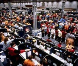Bursele internationale continua sa scada