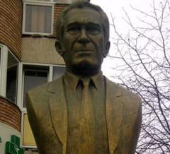 Bustul lui Sergiu Nicolaescu din Targu Jiu va fi inlaturat - vezi motivul