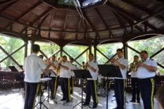 Buzoienii, invitati duminica in Crang, la un concert de promenada