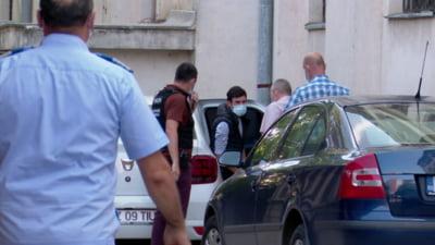 Cât alcool a putut să bea un tânăr din Buzău înainte de a-și ucide tatăl cu sânge rece. Crima s-a petrecut în fața unui copil de 12 ani