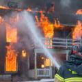 Cât au plătit firmele de asigurare în 2020 oamenilor afectați de incendii. Focul este cel mai mare risc în România RAPORT