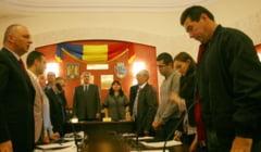 CADOURILE INAPOI! Salariatii primariei Ramnicu Valcea si ai institutiilor din subordine, SOMAEsI sa dea cadourile inapoi