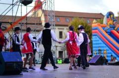 CASTANE 2017 - Festivalul Minoritatilor a adunat baimarenii in centrul vechi al municipiului
