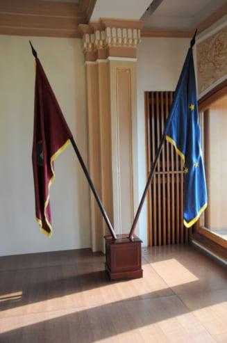CCR: Doar Parlamentul, Guvernul sau presedintele pot sesiza Comisia de la Venetia pe Legile Justitiei